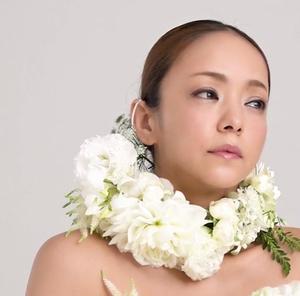 安室奈美恵 2018年10月号 ファッション雑誌『sweet』.JPG